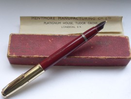 MENTMORE 46 RED c1950 Original Box.