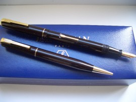 WATERMAN 502 SET 1940s DARK BURGUNDY