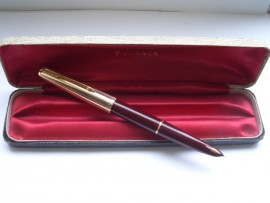 PARKER 61 CUSTOM MAROON MINT & UNINKED