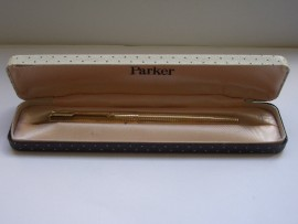 PARKER 65 CONSORT INSIGNIA R/Gold 1967