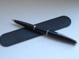 PARKER 45 CT BLACK 14ct gold nib 1960s