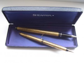 LADY SHEAFFER 1V SET PAISLEY GOLD 1960