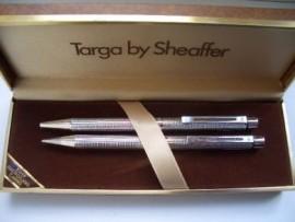 SHEAFFER TARGA 1010-9 SET DIAMOND SQUARES.